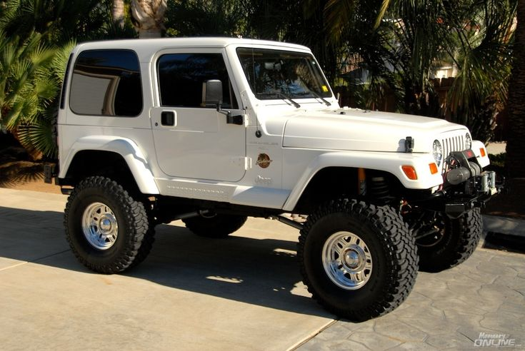 I think I've outgrown wanting a daisy duke jeep, but I'd still take this one:)