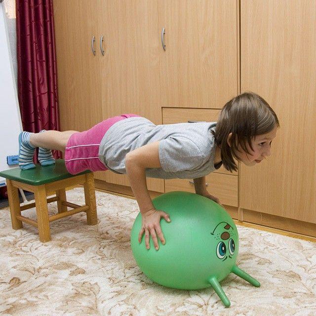 Любимое упражнение дочки Кати (ёщё одно) #sibworkout1 Пятничное фото для конкурса от @rusdudnik