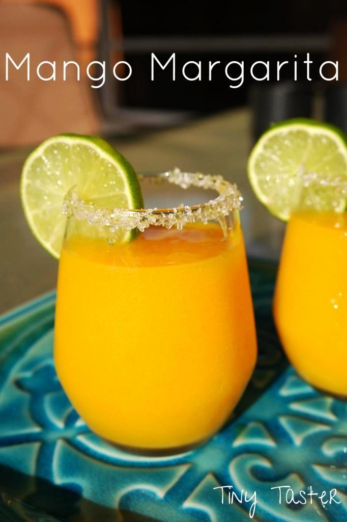 Mango margarita! Made with grand marnier and fresh mango! Perfect for taco tuesday or cinco de mayo coming up! #margarita #cincodemayo #mexican