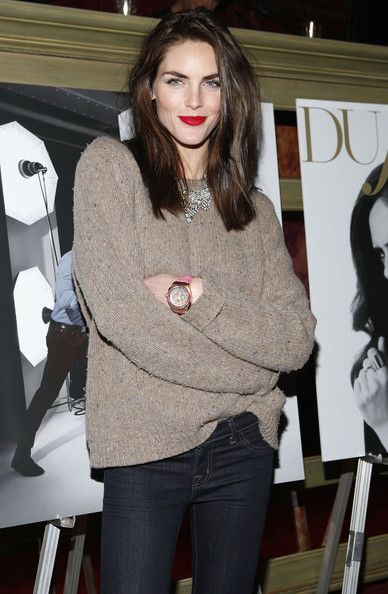 pop of red lipstick with an otherwise casual outfit...LOVE
