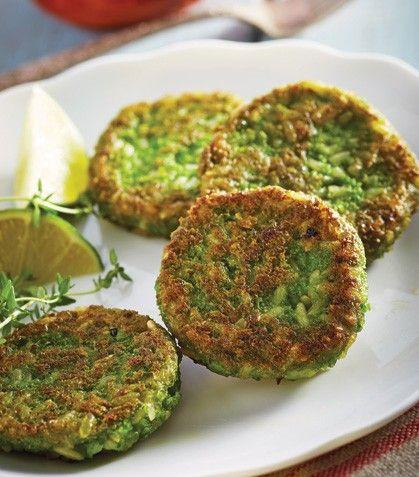 Una nutritiva entrada para tus menús. Tortitas de chícharo con arroz integral y aderezo de tajina