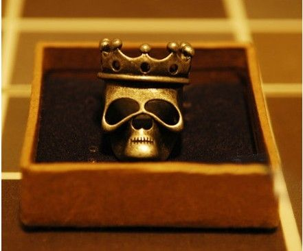 Wholesale/Retail European and American jewelry retro crown skull Female ring Free shipping