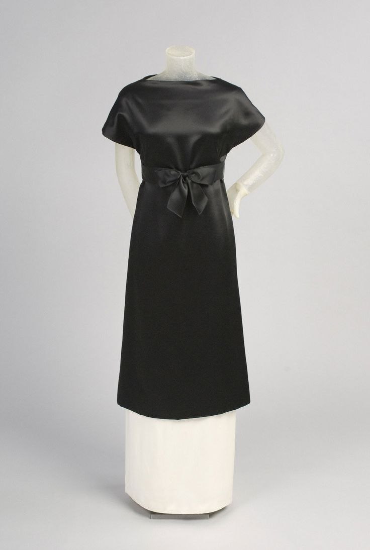 Fall 1972, America - Woman's Evening Tunic and Skirt by Gustave Tassell - Silk satin, linen plain weave