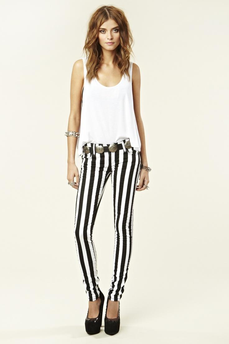A Mini-Saia Jeans, Stripes Skinny, Beetlejuice Pants, Style, Clothing, Belts Outfit, Stripes Jeans, Stripes Fashion, Striped Skinny Jeans