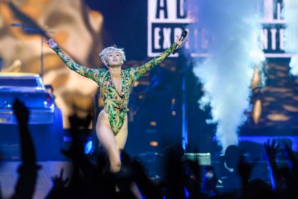 Miley Cyrus, more quirky than twerky in Verizon Center concert - THE WASHINGTON POST #MileyCyrus