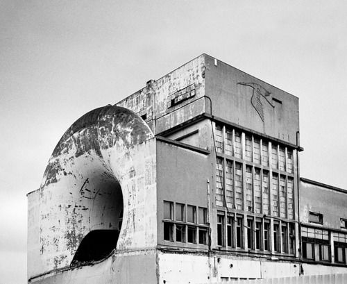 Hispano Suiza: Wind tunnel building, Paris, 1936.