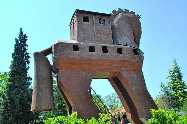 Troy Day Trip From Istanbul: If you dont have enough time and you like to visit troy. You can join troy day trip from istanbul by bus.