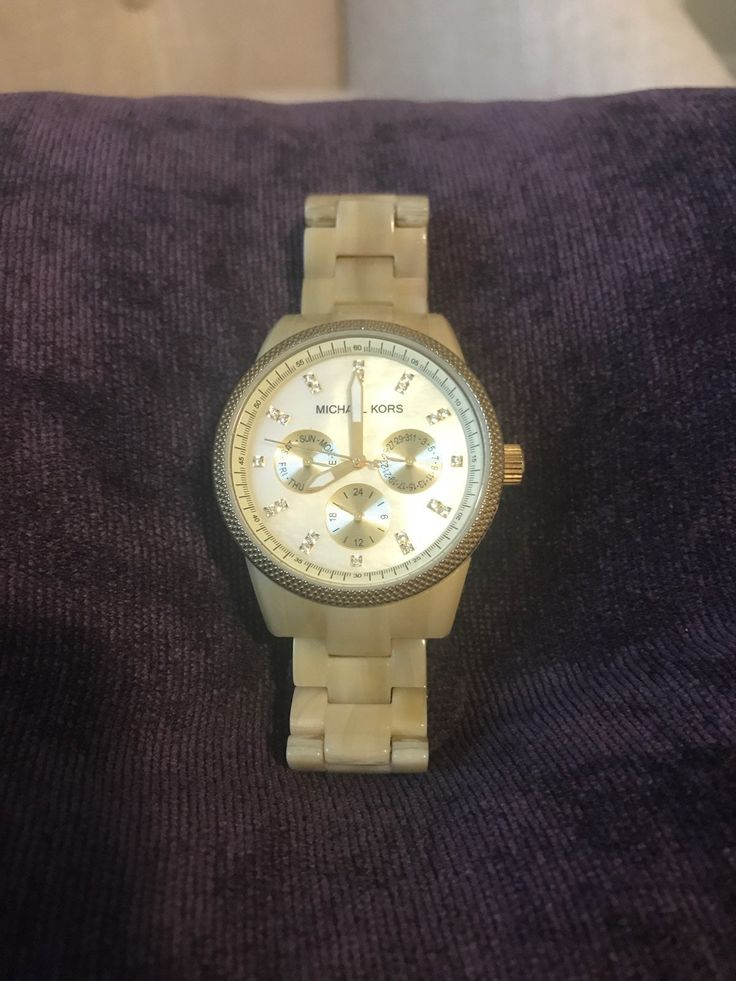 Beautiful Michael Korda watch. No damage or scratches on