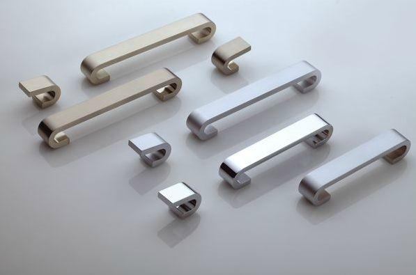 Kolekcja Narvi z linii Asceptic Line  www.gamet.eu #uchwyt #meble #pokoj #zdrowie #doorknob #doorhandle #knobs #handles #design #bezniklu