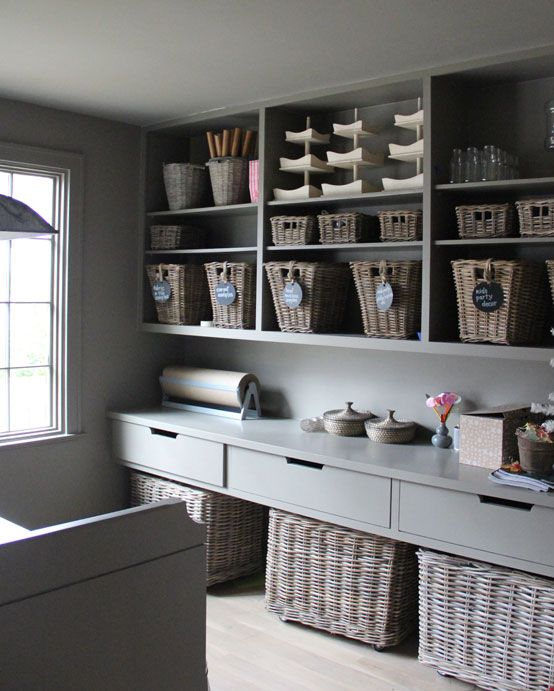 storage - gorgeous paint shade and baskets//