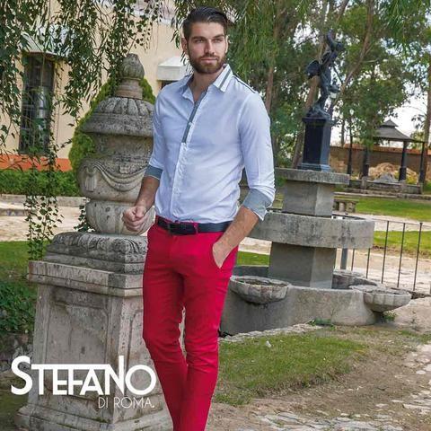 La gabardina se combina con casi todo, por eso el Pantalon Tacna Rojo es la opcion ideal que todo hombre debe tener al alcance de su mano. El Pantalon Tacna Rojo es original y siempre que quieras un look informal, casual o hasta elegante, todo el tiempo luciras a la moda.