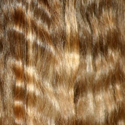 Veel vrouwen dromen van mooi blond haar, maar zonder dat het gebleekt lijkt. Hoe krijg je deze mooie blonden lokken? Hoe kun je zelf je blonde haren oplichten/blonderen? Tips voor een mooie blonde coupe.