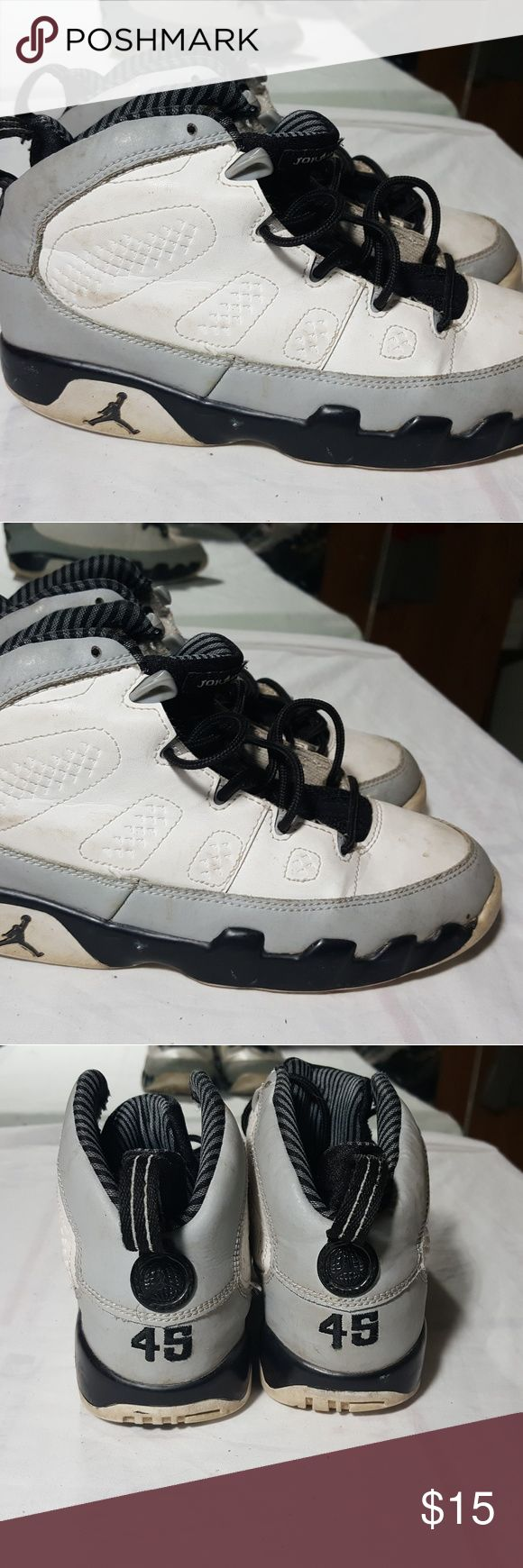 AIR JORDAN RETRO 9's SZ 3y AIR JORDAN RETRO 9's SZ 3y Air Jordan Shoes Sneakers