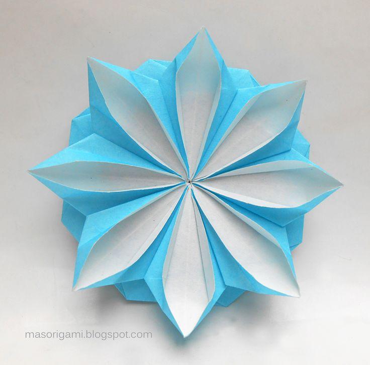 origami - escarapela argentina plegada en papel - autoría: Tomoko Fuse