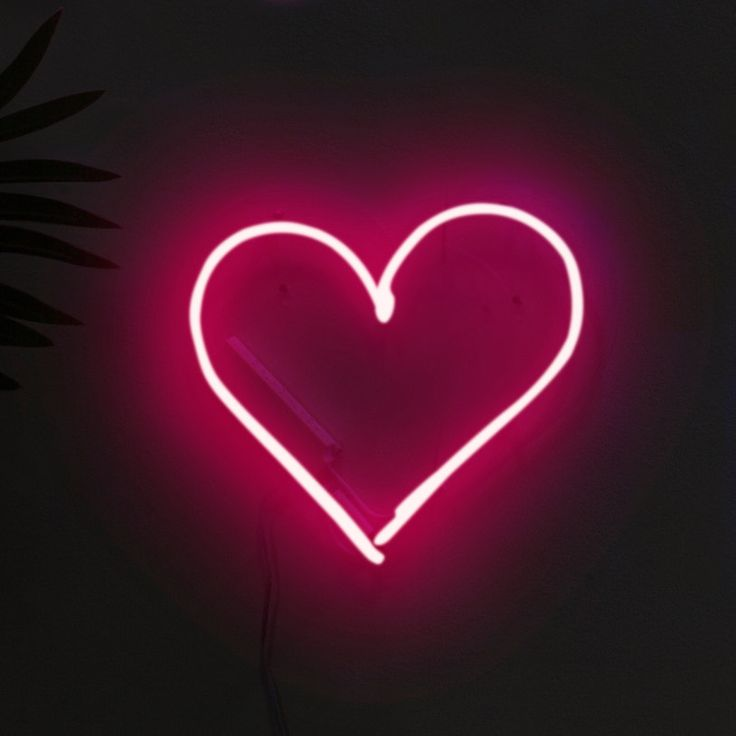 Give your living space a little love with the Pink Neon Love Heart. Unlike the many other faux-neon LED lamps out there, this stylish piece of mood lighting