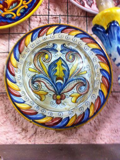 http://ceramicherinascita.altervista.org/cartoccio-piatto-darredo/