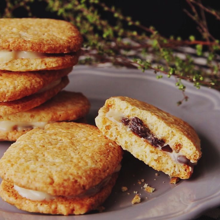 How to make Raisin Butter Cookie Sandwiches