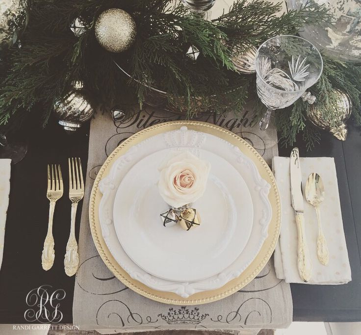 Holiday Place Settings: 25+ Unique Christmas Place Setting Ideas On Pinterest