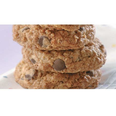 ... Chip and Dried Cherry Oatmeal Cookies | Happy National #Oatmeal Day