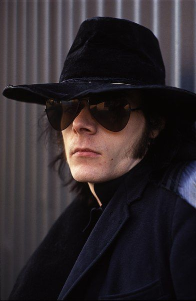 Andrew Eldritch - The Sisters of Mercy - at their Manchester gig he looked at me.. died
