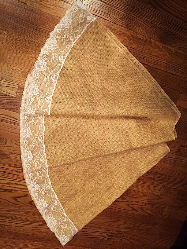 Burlap and Lace Christmas Tree Skirt, 60 inches diameter, christmas decor, tree skirt, lace, READY TO SHIP by FantasyFabricDesigns on Etsy