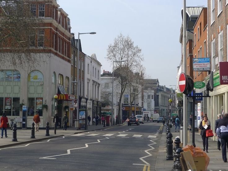 Annie Fitzsimmons - Strolling London's Chelsea, From Sloane Square Up the King's Road