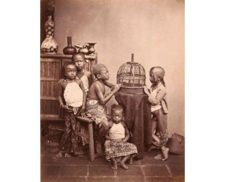 indonesian children | ca. 1870 | foto: isidore van kinsbergen