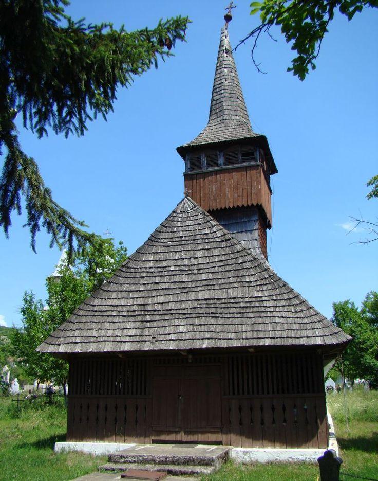 Vechea biserică a satului Boz, județul Hunedoara, va fi reabilitată prin fonduri de la Uniunea Europeană. Proiectul depus de preotul Dacian Popescu, sprijinit de arhitecții unei fundații, a obținut finanțare prin Programul Național pentru Dezvoltarea Rurală, pentru un proiect de peste 250.000 de euro.