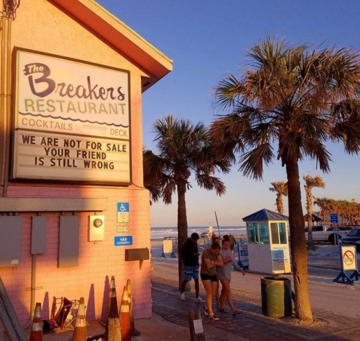 """<h3><a href=""""http://www.breakersnsb.com/"""">The Breakers Ocean Front Restaurant & Lounge</a></h3> <i>518 Flagler Ave., New Smyrna Beach, 386-428-2019</i>  <br>The Breakers offers an impressive 17 different types of burgers. If burgers aren't your thing, there's plenty of seafood options. A great place to stop for a bite and some drinks after hitting the white sandy beaches, you'll recognize Breakers by its famous pink building. Happy hour runs from 4-7p.m. Monday through Friday. <br> <br>Photo…"""