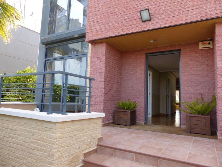 Casa / Chalet en Alicante / Alacant Nº de referencia:5029 650.000€ Imprimir página Compartir Simulador de Hipotecas Presentación Multimedia Fotos Mapa Detalle inmueble Tipo de propiedad:Casa / Chalet …