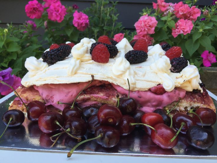 Berry meringue cake - like trifle on a plate!