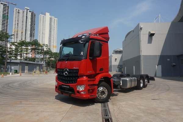 The New Mercedez Benz Actros Dan Arocs Masuki Pasar Indonesia