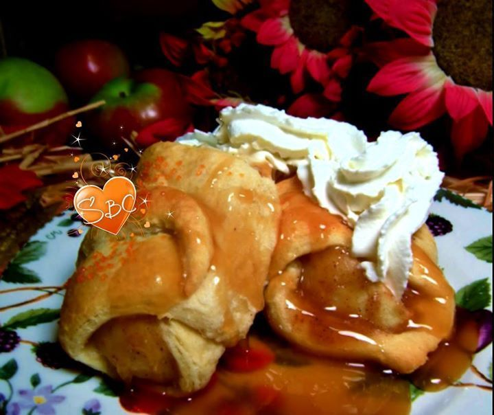 Caramel Apple Crescents Apples n Caramel baked inside buttery crescent rolls. Nothing says Autumn more then warm gooey caramel baked apples!