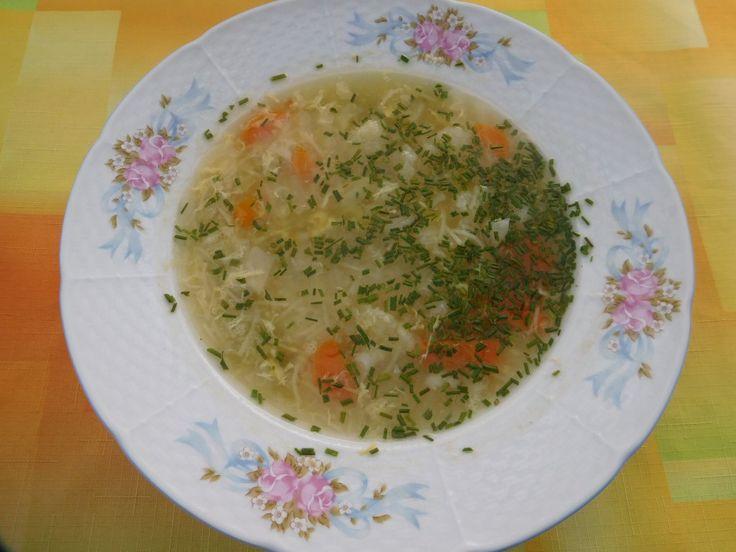 Zeleninová polévka s vajíčkem