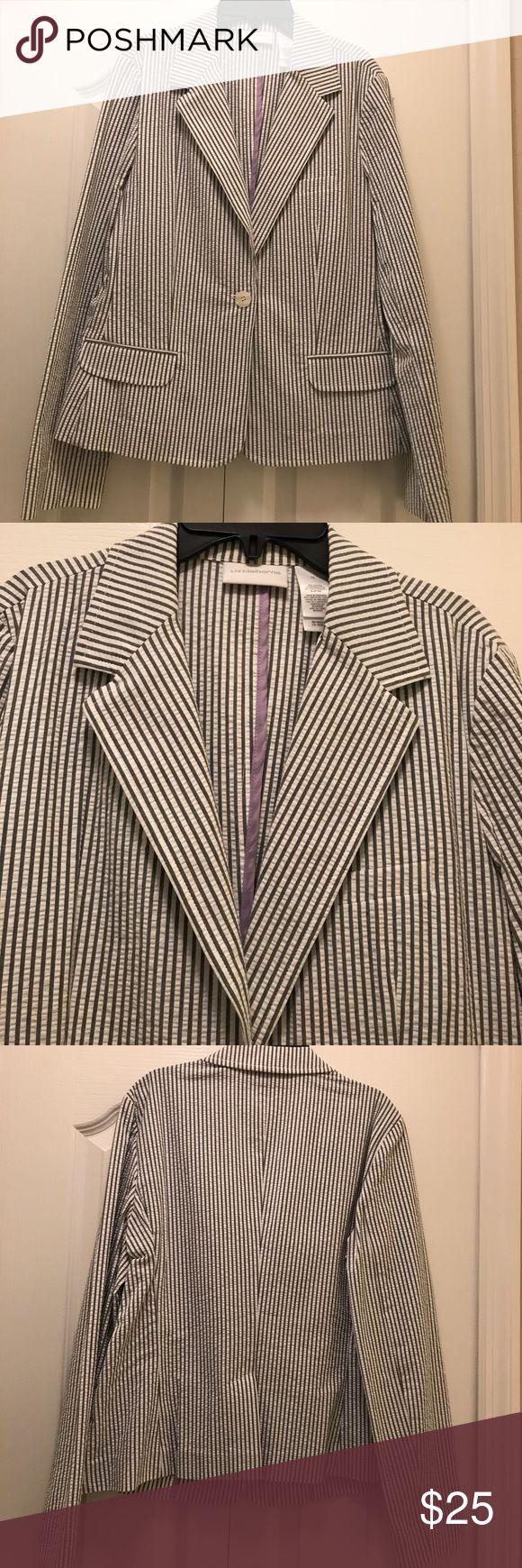 Vintage Liz Claiborne seersucker blazer Vintage Liz Claiborne seersucker blazer, never worn, in perfect condition Liz Claiborne Jackets & Coats Blazers