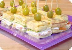 """Buenos días!!! Hoy os traigo una receta que estoy seguro que os va a volver locos!!! Una tortilla de patata rellena al estilo """"vegetal""""..."""
