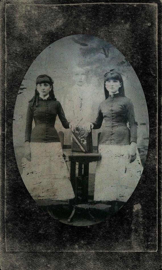 пикеты пока старые картинки с призраками ангел характерная