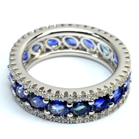Ring in 18 kt gold with #sapphire of 4,32 ct and natural brilliant-cut white #diamonds of 0,17 ct. The #ring is available in white gold, rose gold, yellow gold but you can also customize carats, quality, and color of #gemstones. All our #jewelry are made in italy. Contact us for any particular request.