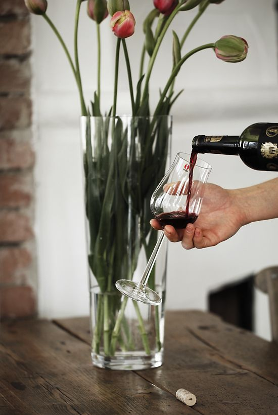 Essence Plus, beautifully designed glasses for those who appreciate a good glass of wine.