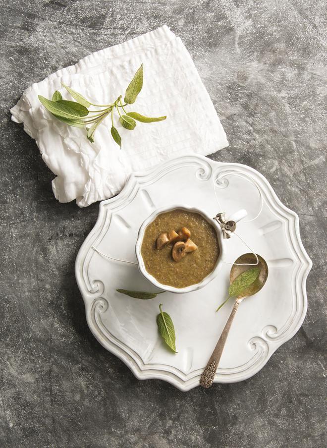 Σούπα με μανιτάρια, κάστανα και κρεμμύδι