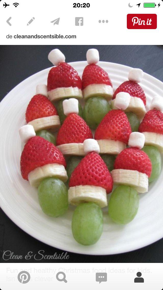J'ai fait ce petit plat très chouette il vous faudra des mini shamallows des bananes en tranches des fraise et des raisin