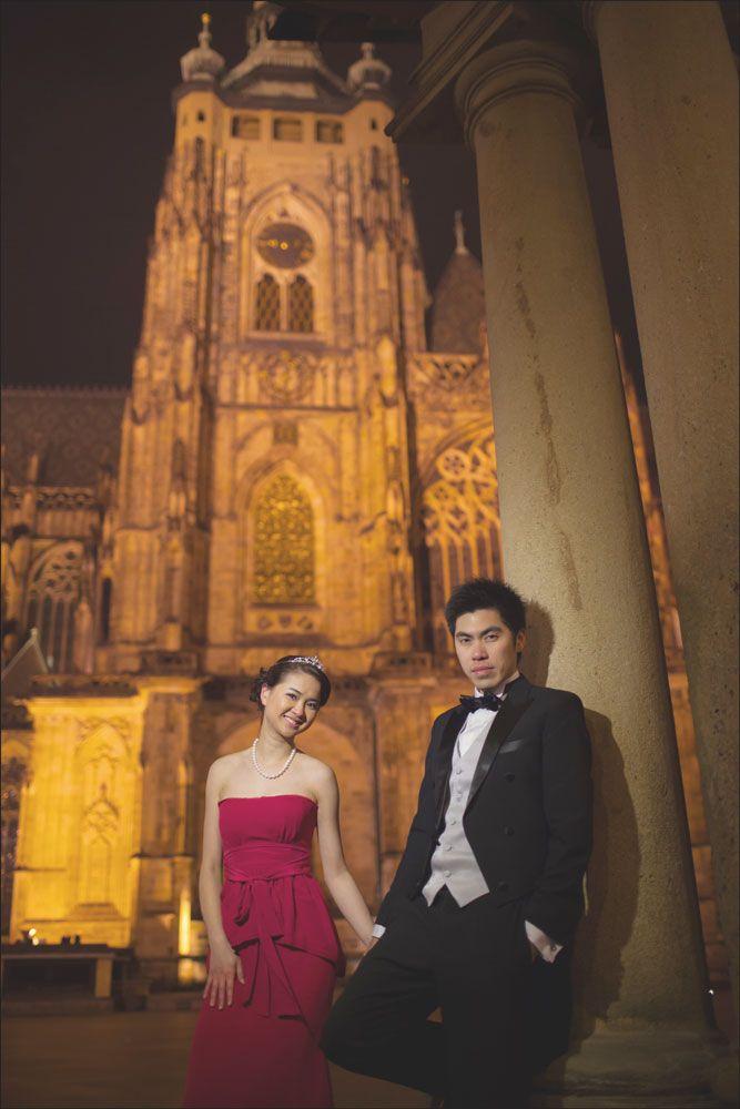 Prague pre weddings / W&E romantic session at Prague Castle