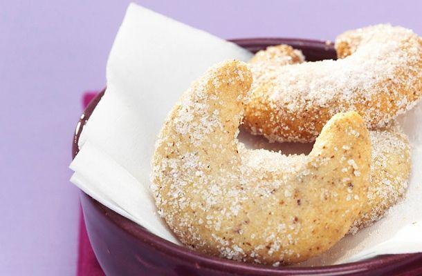 Vaníliás kifli - Hozzávalók: 30 dkg liszt, 22 dkg vaj, 10 dkg darált dió, 7 dkg porcukor, 2 csomag vaníliás cukor ...