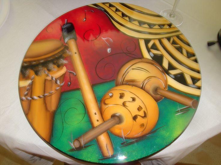 Tabla de queso pintada en madera y resinada