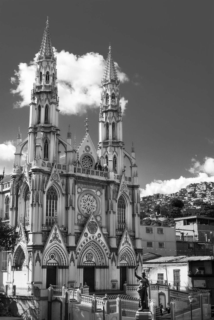 Iglesia Palo Grande Caracas En esta Iglesia Hice Mi Confirmación y Primera Comunión Gracias al Padre Rene un Francés Muy Trabajador.