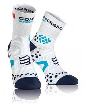Compressport Pro Racing Socks provide ultimate comfort, postural strengthening and optimise blood circulation. The new hemless design is completely seamless with new ventilation zones and improved arch support. A dream for every athlete's feet! Shop online: http://www.outsidesports.co.nz/default.aspx?q=compressport