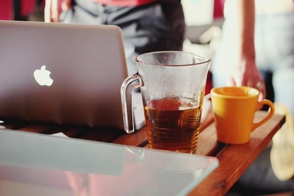 MacBook y mate, café, chocolate?
