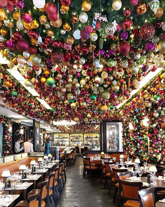 Typically Known For Its Diverse And Flavorful Menu This London Restaurant Has A Different Reputation In The Wint Christmas Christmas Decorations Christmas Home