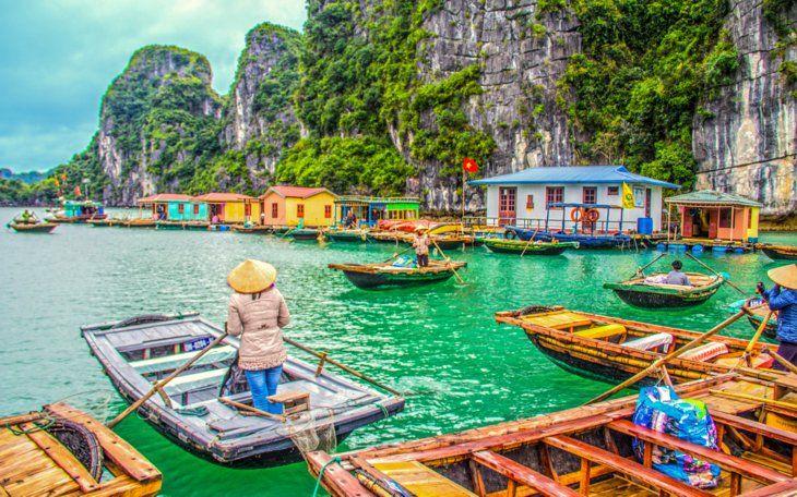 Yüzen Köy, Halong Bay, Vietnam