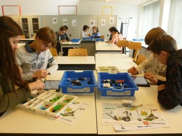 Op 7, 9 en 14 maart organiseerde de lerarenopleiding van Hogeschool PXL een STEM-dag voor 150 leerlingen van Middenschool Kindsheid Jesu. De leerlingen en ...